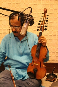 Lalgudi G.J.R. Krishnan in a recording session